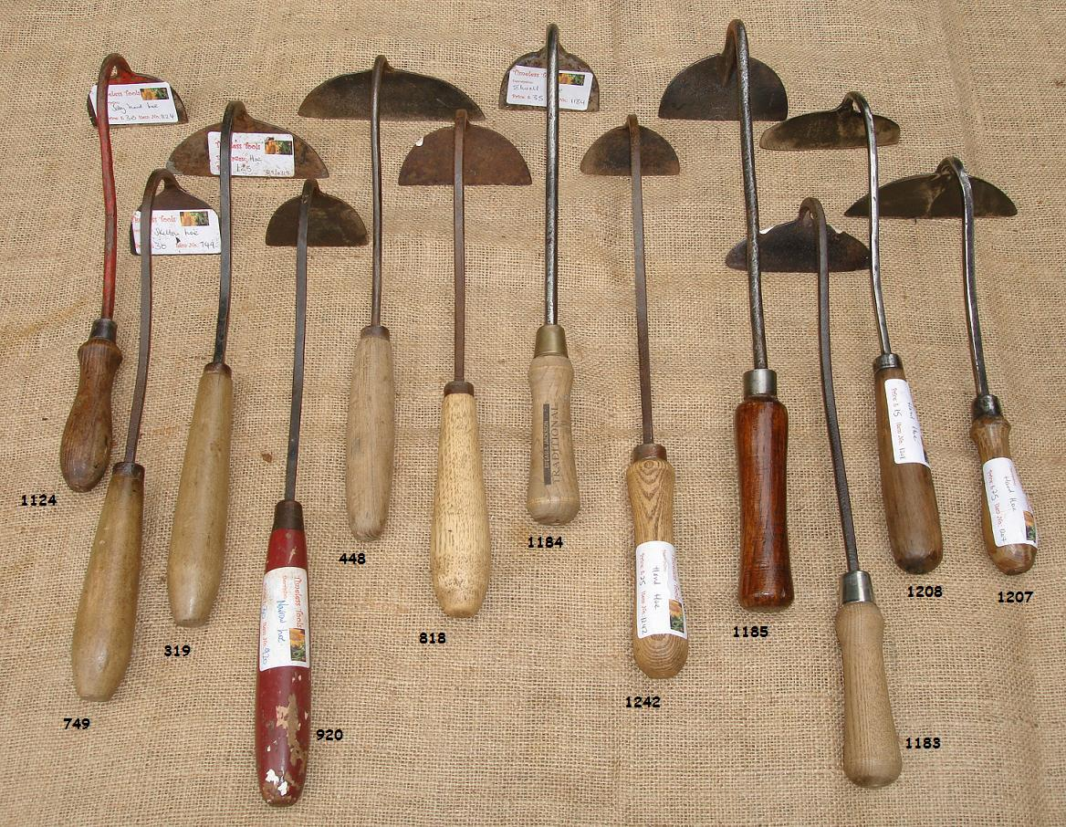 Item 319 small hand hoe for Gardening tools pakistan